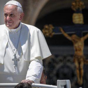 教宗方济各的管理及其任期内推进教会的动力